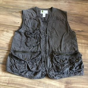 UO Vest with lots of pockets